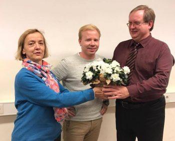 Es gratulieren: Elke Rosch, Sprecherin KV Barnim und Robert Schindler, Sprecher KV Uckermark (v.l.)
